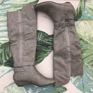 Madden Girl Taupe Zilch Boots Size 6 NWOB